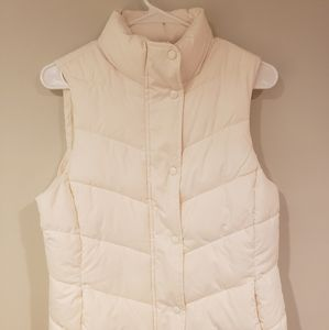 BRAND NWT GAP White Recycled Puffer Vest